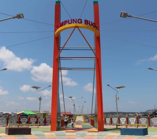 Jembatan Warna Warni Kampung Bugis