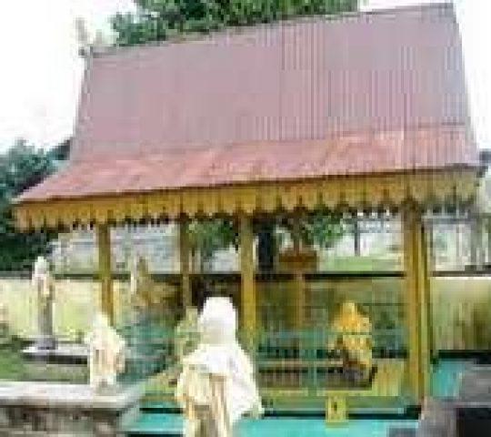 Makam Sultan Abdurrahman Batu Lepuk