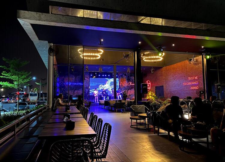 Nomad Ultra Lounge